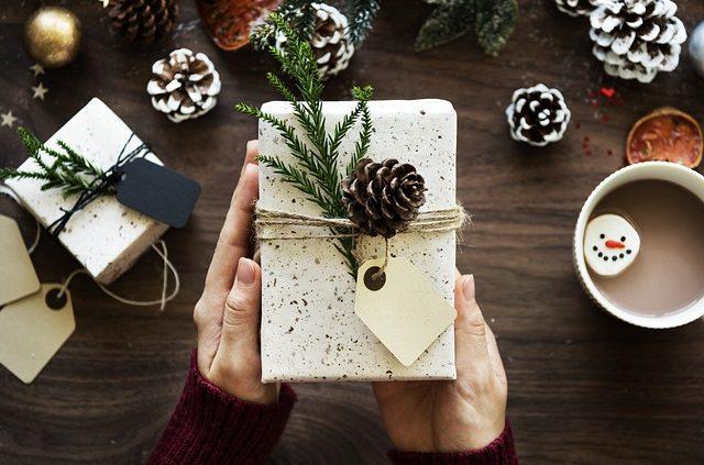 Idée Cadeau 80 Ans Top 30 Idées Cadeaux Femme de 80 Ans   2020   CadeauZapp