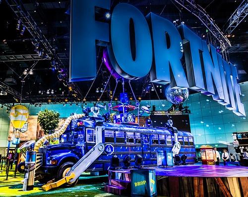 Top 15 des Idées Cadeaux pour Joueur de Fortnite   2020   CadeauZapp
