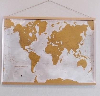 cadre magnetique suspendu carte monde gratter